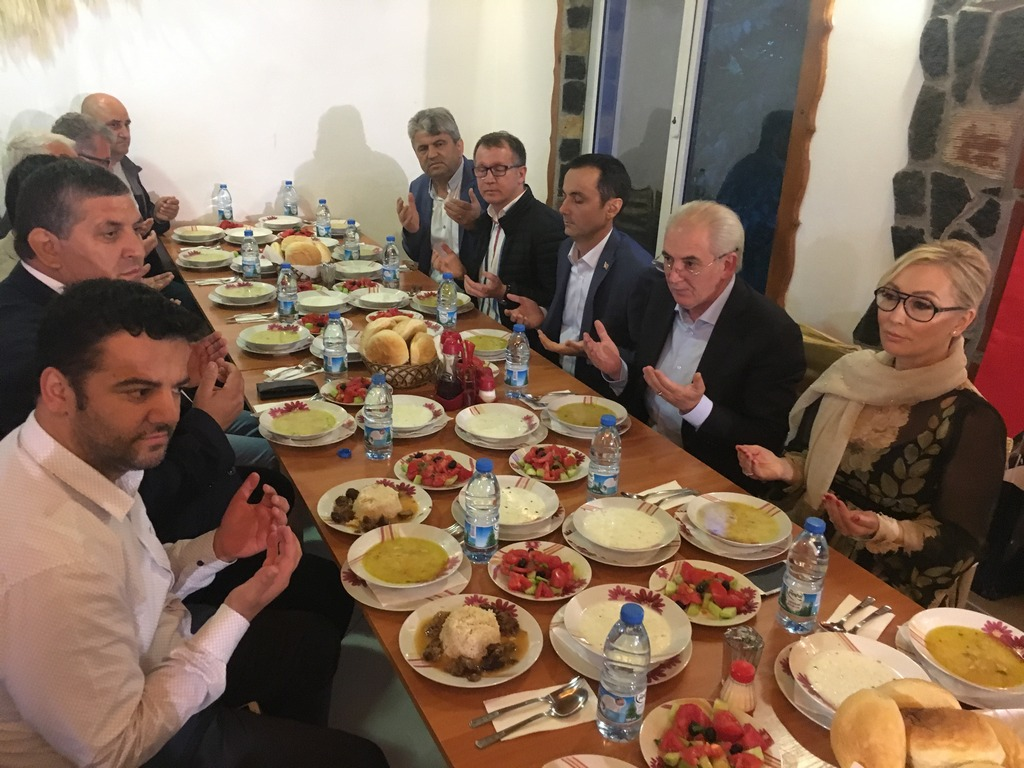 Bursa Büyükşehir Belediyesi Kırcaal de iftar verdi